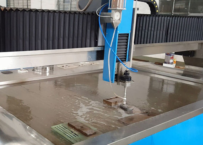 38KW Electric Power Water Jet Cutting Machine CNC Water Steel Cutter 3.7L Min Flowrate
