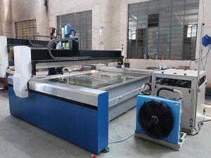 Piccola macchina da taglio a getto d'acqua CNC, getto d'acqua ad alta pressione: marmo, granito, vetro, ceramica, metallo